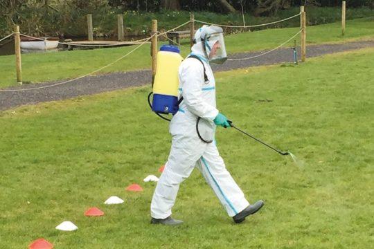 Preparing knapsacks – spray into spring